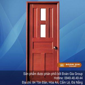 cua-nhua-gia-go-qt01a