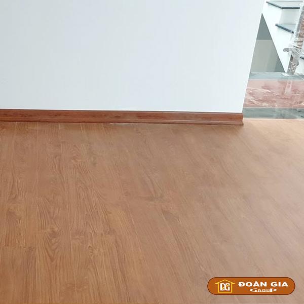 ky-su-cong-trinh-su-dung-doan-gia-floor-cot-hdf-made-in-malaysia-dg8005-ngay-3-10-2018-tai-hoa-xuan-tp-da-nang-1
