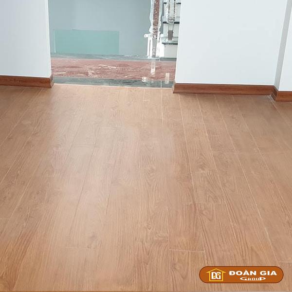 ky-su-cong-trinh-su-dung-doan-gia-floor-cot-hdf-made-in-malaysia-dg8005-ngay-3-10-2018-tai-hoa-xuan-tp-da-nang-2