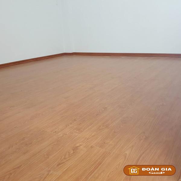 ky-su-cong-trinh-su-dung-doan-gia-floor-cot-hdf-made-in-malaysia-dg8005-ngay-3-10-2018-tai-hoa-xuan-tp-da-nang-3