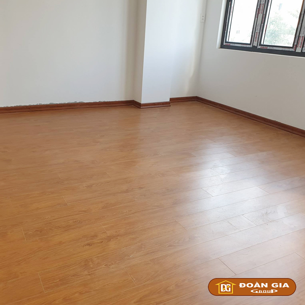 ky-su-cong-trinh-su-dung-doan-gia-floor-cot-hdf-made-in-malaysia-dg8005-ngay-3-10-2018-tai-hoa-xuan-tp-da-nang